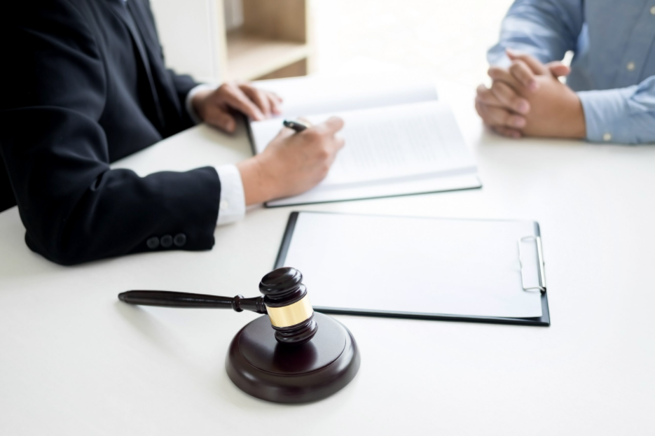 5 Reasons Why You Should Hire a DUI Defence Attorney to Defend You.png